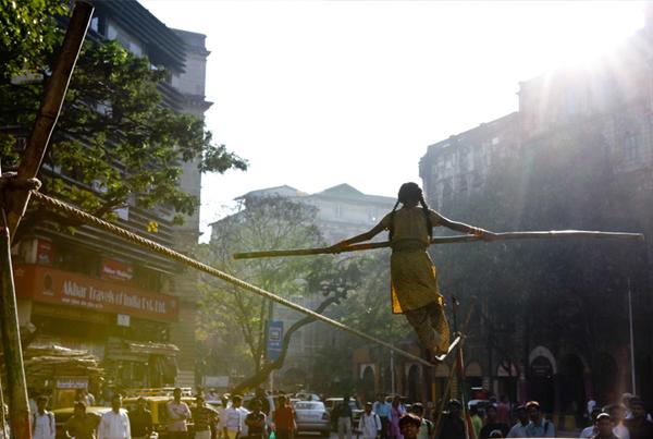 MUMBAI: NAGYVÁROS NYOMÁS ALATT